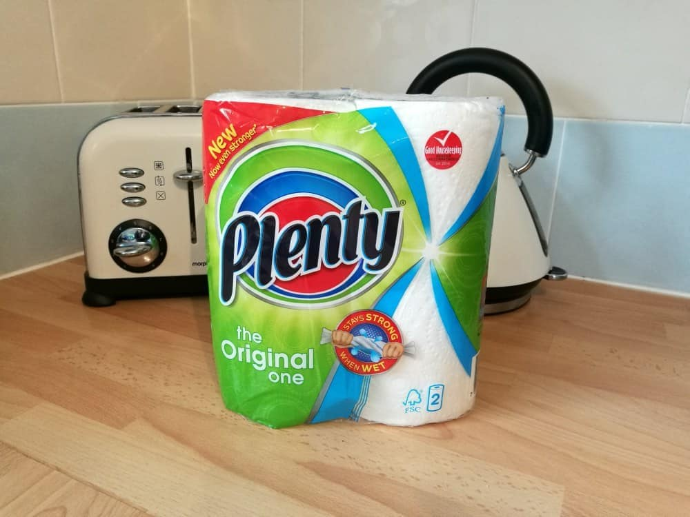 Plenty kitchen roll for cleaning
