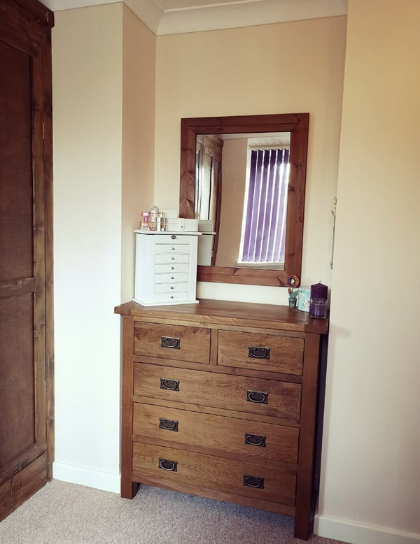 Mini dressing table area