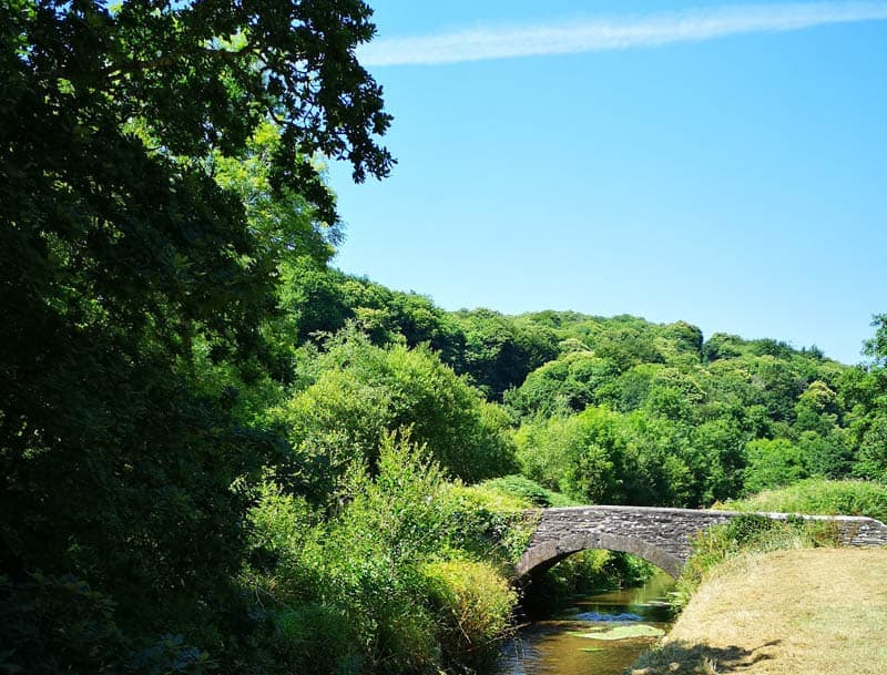 Pentewan trail - bridge and river