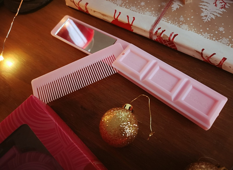 Pink mirror and comb chocolate bar